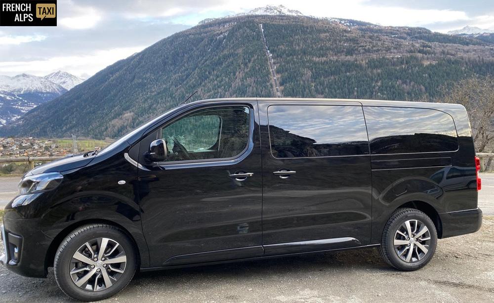 French alps taxi, Toyota Pro Ace Executive motricité renforcée
